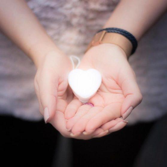 Szív alakú LED-es táskalámpa díszdobozban